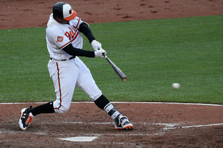 Orioles rally past Mariners 8-7