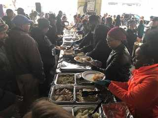 Local Vets get a free Thanksgiving meal