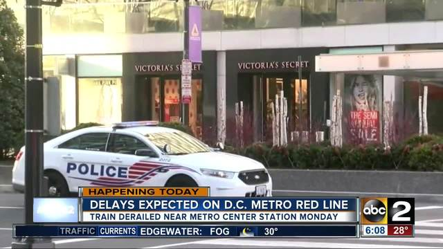 Red Line Train Derailed Outside Farragut North, Service Stopped
