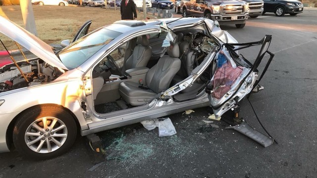 2 crashes reported 1 hour apart in Edgewood