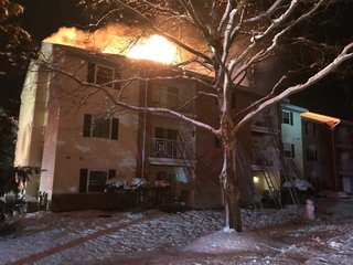Firefighter injured, 15 displaced in fire