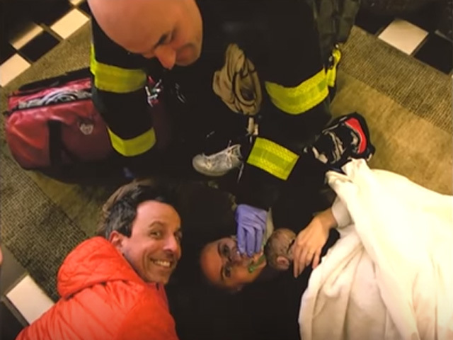 Seth Meyers' wife gives birth in lobby of their building