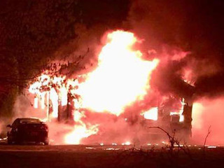 Fire damages Dorchester County mobile home