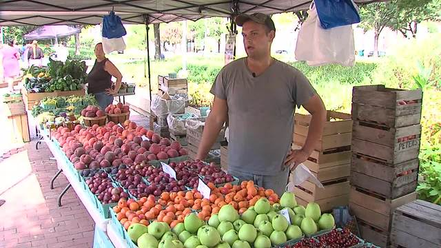 Some food stamp recipients may soon lose benefits at dozens of farmers markets